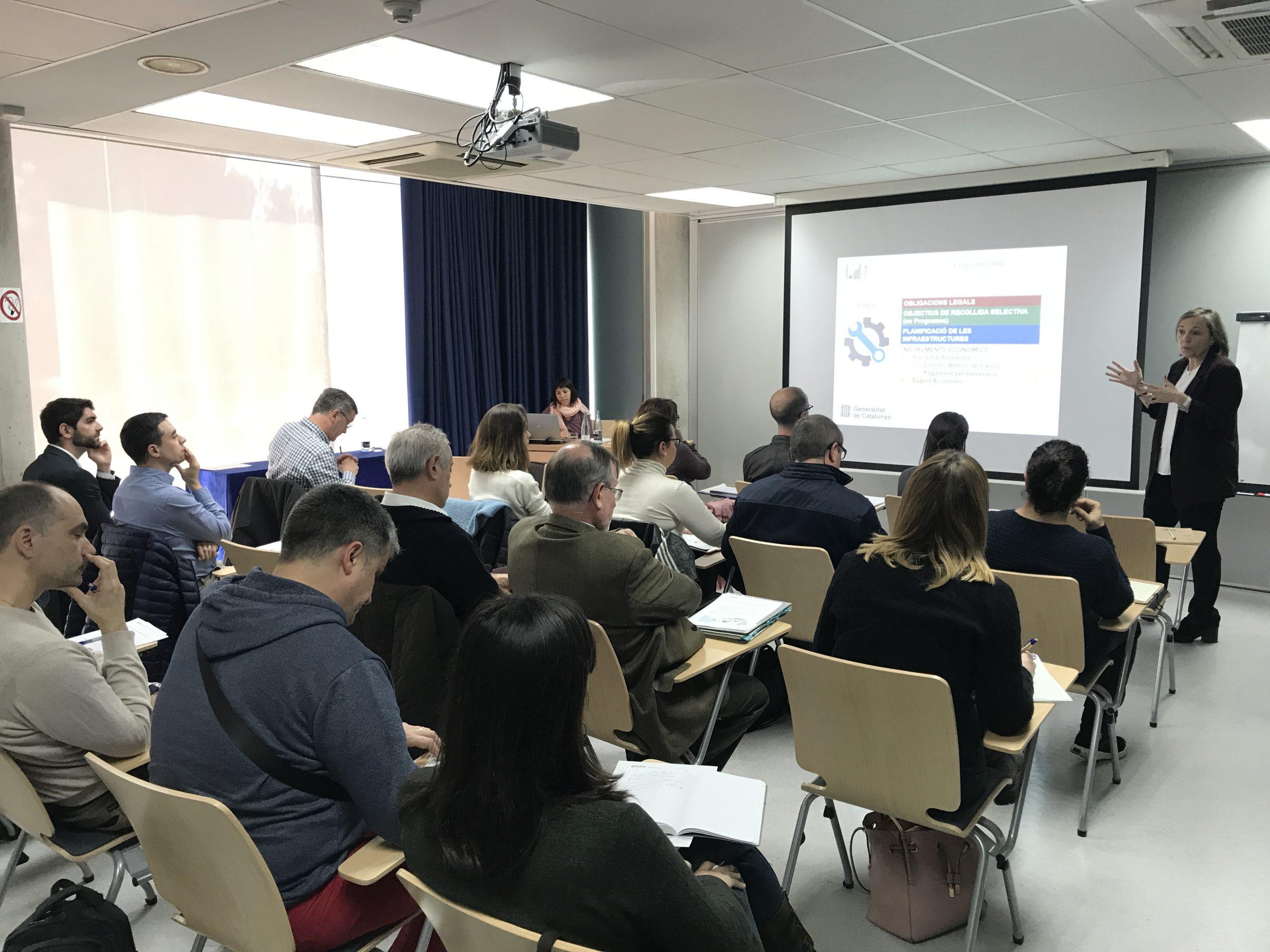 You are currently viewing Sessió de treball: Circuits privats de recollida d'orgànica (FORM)